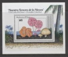 Nevis Mushrooms Champignons - Champignons