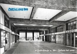 Lazio-roma-grottaferrata Veduta Galleria Del Corso Negozi Banca Persone Fiat 600 Multipla Anni 50-60 - Italia