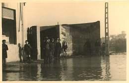 69 - 110517 - PHOTO Novembre 1944 - SAINT FONS - Crue Du Rhône - Rue Du Port - Portail - France