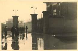 69 - 110517 - PHOTO Novembre 1944 - SAINT FONS - Crue Du Rhône - Entrée De L'usine De Bâle - France