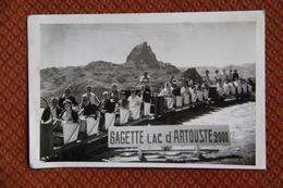 Photographie Originale Des Wagons Du Train Touristique Qui Reliait LA SAGETTE Au Lac D'ARTOUSTE Dans Les Pyrénées. - Trains
