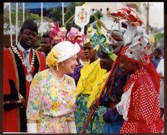 HM QUEEN ELIZABETH IN JAMAICA ASHANTI DANCERS 1947/1983 - Famous People