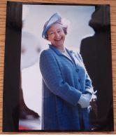 FINE COLOUR ORIGINAL PRESS PHOTO QUEEN ELIZABETH II SMILING IN SCOTLAND 1992 - Other Collections