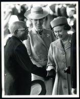 PRINCESS ANNE HM QUEEN PRESIDENT OF MALAWI PHOTO 1985 - Beroemde Personen