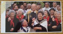 FINE ORIGINAL COLOUR PRESS PHOTO PRINCE PHILIP DUKE OF EDINBURGH NEW ZEALAND - Other Collections