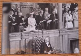 FINE ORIGINAL PRESS PHOTO QUEEN ELIZABETH II PRINCE PHILIP AT OFFICIAL CEREMONY - Other Collections