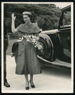 1953 PRESS PHOTO PRINCESS MARGARET AT WESTON SUPER MARE GRAMMAR SCHOOL - Other Collections