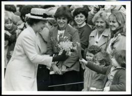 1983 HM QUEEN VANCOUVER CANADA - Other Collections