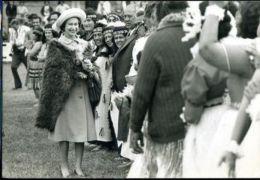 HM QUEEN 1977 MAORIS GISBORNE NEW ZEALAND - Other Collections