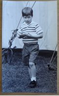 FINE ORIGINAL PRESS PHOTO 'YUM YUM' PRINCE WILLIAM WINDSOR LAWN 1987 - Other Collections