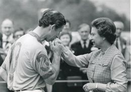 FOUR FINE ORIGINAL PRESS PHOTOS PRINCE CHARLES OF WALES QUEEN ELIZABETH II POLO - Other Collections