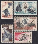 MONACO - 1955 - Lotto 5 Valori Nuovi MNH, Yvert 427/431 - Jules Verne - Ungebraucht