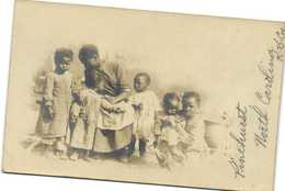 Carte Photo Une Belle Famille Nombreuse De Noirs D'Amerique Recto Verso Beau Timbre