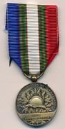 Médaille De L'Union Nationale Des Combattants - Unis Comme Au Front - France