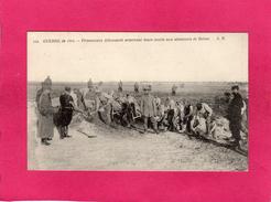 GUERRE 1914-15, Prisonniers Allemands Enterrant Leurs Morts Aux Alentours De Reims, (A. Richard) - Guerre 1914-18
