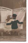 """"""" Communiqué  Officiel  -  Tout  Va  Bien  ....  La  Grande  Victoire   Est  Proche   """"     Enfant  Couple  Sur  Banc - Patriotic"""