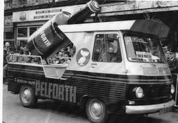 Véhicule Peugeot J7 Publicité Pelforth  -  Tour De France 1966   -  CPM - Camions & Poids Lourds