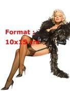 Reproduction D'une Photographie D'un Dessin De Marilyn Monroe En Porte Jarretelles Et Frou Frou Noir - Reproductions