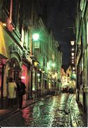Bruxelles (1000) : Vue Nocturne Du Restaurant La Vieille Ville, Dans La Petite Rue Des Bouchers. CPSM. - Bruxelles La Nuit