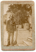 CDV - Le Gendarme Georges Edmond Maillard-Salins - Beaucourt ( T.de Belfort ) - Chapeau Bicorne Modèle ? Voir Recherches - Anciennes (Av. 1900)