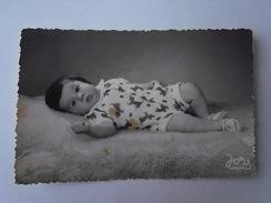 1 Photo - Portugal Baby Portrait (xr1) - Persone Anonimi