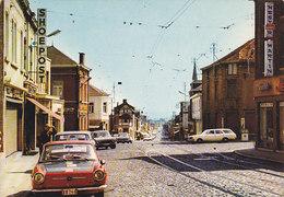 Courcelles - Rue Général De Gaulle (animée, Shoepost Nestor Martin, Oldtimer) - Courcelles
