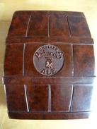Boite En Bakélite A Cigarettes Pub Brasserie Gaulier Princès Ale - Boîtes