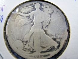 1917S  WALKING LIBERTY HALF DOLLAR                 (sk50-3 Or 4) - Federal Issues