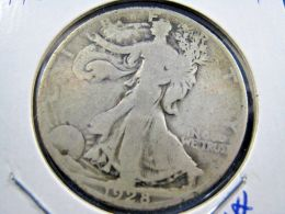 1928S  WALKING LIBERTY HALF DOLLAR                 (sk50-42, Or 20) - Federal Issues