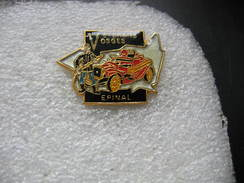 Pin's Vétérans Vosges à EPINAL, Voitures Anciennes - Badges