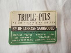 Ancienne étiquette à Bière TRIPLE PILS  Brasserie L'Abbaye St-Arnould . - Etiquettes