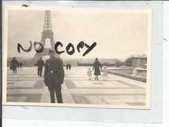 75 PARIS TOUR EIFFEL      PHOTO ALLEMANDE  1942 - Photos