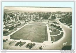 CABOURG / LES JARDINS / Automobile , Voiture Ancienne , Oldtimer - Cabourg