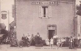 45 DOUCHY  Animation Devant Le CAFE HOTEL De La GARE AUTOMOBILE Hommes à MOTO POMPE à ESSENCE - France
