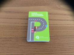 Plan De Stationnement Ville De Quimper  2016 (format Plié Carte De Crédit) - Titres De Transport