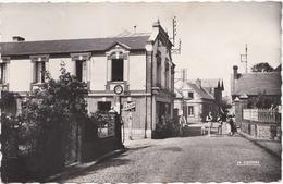 ST PIERRE EN PORT ( 76 )  La Rue De La Mairie . - Frankreich