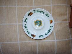 Cendrier Publicitaire De La Marque De Bière DIEBELS - Porcelaine