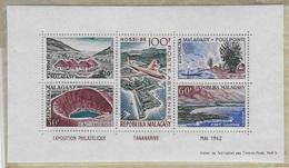 Bloc Feuillet  Exposition Philatelique Tananarive - Madagascar (1960-...)