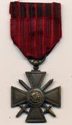 Médaille Croix De Guerre - France - 1914-1918 - Ruban Rouge à Six Bandes - France