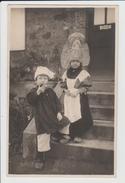 EDITEUR D'AVRANCHES - MANCHE - CARTE PHOTO - DEUX ENFANTS EN COSTUME REGION NORMANDIE - Avranches