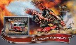 TOGO 2016 SHEET FIRE ENGINES CAMIONS DE POMPIERS FIRE TRUCKS FIREFIGHTERS CAMIONES DE BOMBEROS Tg16305b - Togo (1960-...)