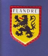 32 - BLASON ÉCUSSON PLASTIFIE FLANDRE COLLECTION REGION PROVINCE DE FRANCE QUICK-LAIT REGILAIT (5) - Scudetti In Tela