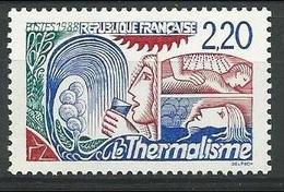 France - YT 2556 - Le Thermalisme - Source Stylisée; Curistes - France