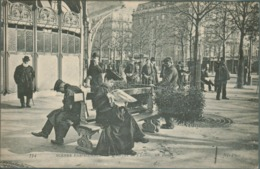 75 - Paris -  Scènes Parisiennes - Quartier De L' Etoile - Un Banc - Vendeur De Gui - Petits Métiers à Paris