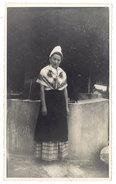 Photo Femme Costumée, Comtadines, Entrechaux 1941 ( Vaucluse ) - Personnes Anonymes