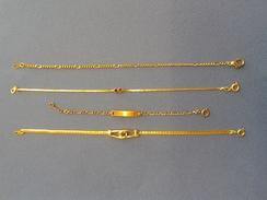 Lot De Bracelets De Plusieurs Mesures En Plaqué - Armbanden