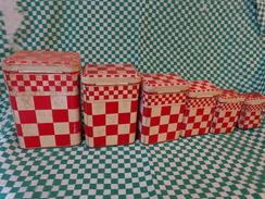 Serie De  6 Boites Lustucru Coloris Rouge - Autres Collections