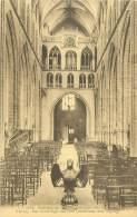 HALLE - Het Inwendige Der Kerk (zicht Naar Den Ingang) - Halle