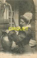 29 Landerneau, étude De Coiffes, Femme Qui Tire De L'eau à Une Fontaine, Affranchie 1904 - Landerneau