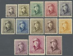 Belgien: 1919/1920, Freimarken: König Albert I. Mit Helm, Taufrische Serie (C.O.B. € 2.230,-).